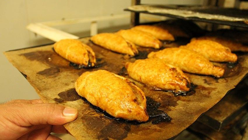 Pastissets de ceba (forn San Bartolomé)